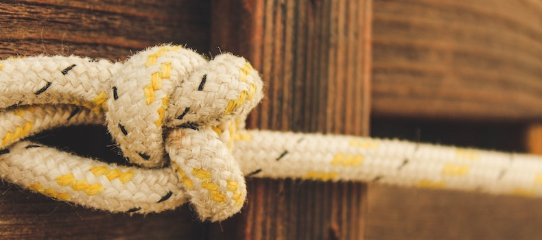 Know your sailing knots - how to tie common knots